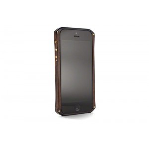 Бампер из дерева на iphone 5